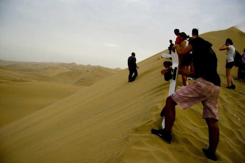 Viajes Perú - Sandboard Ica