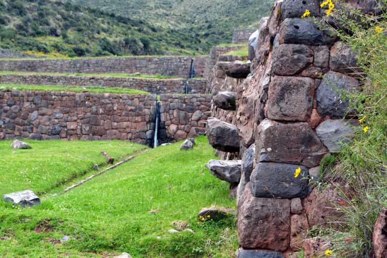 Canales hidraúlicos de Tipón - Valle Sur Cusco