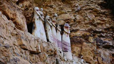 Sarcofagos de Karajia y Cavernas 1 Dia