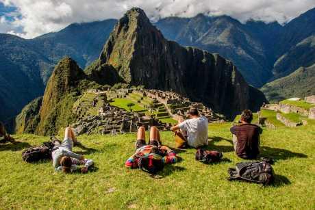 Lima Cusco Machu Picchu y Montaña de Colores 8 dias